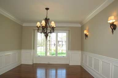 How to hang crown molding hooked on houses - Molduras de madera para pared ...