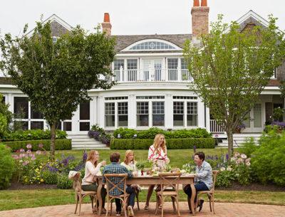 Tracy Pollan Michael J Fox Backyard Hamptons Elle