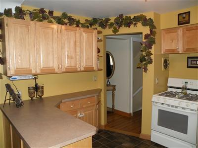 10 scary ways to decorate your home if you dare hooked for Ways to decorate kitchen