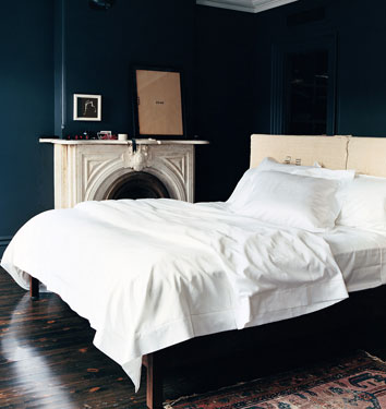 Jenna Lyons black bedroom in Domino