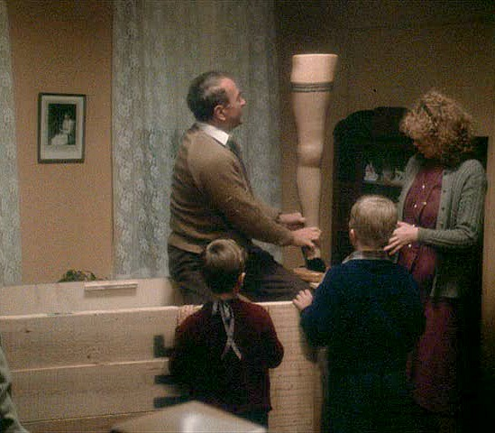 A Christmas Story major award leg lamp arrives