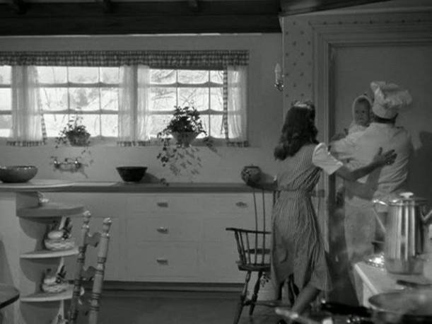 photo 10-kitchen