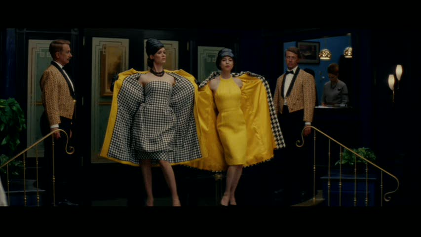 Just had to show you this scene from the restaurant when Vikki and Barbara take off their coats to reveal coordinated outfits. Loved that.