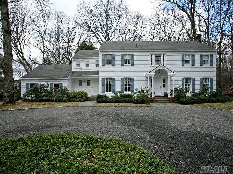 Jennifer lopez 39 s 1970s colonial on long island hooked on for American classic house style