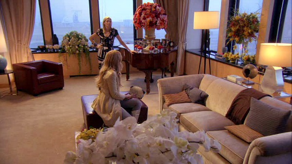Gossip Girl TV show sets Bass living room
