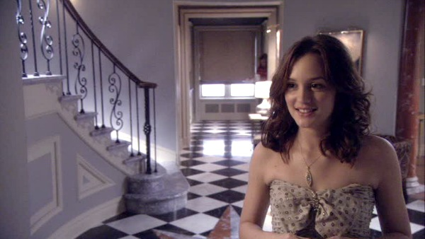 Gossip Girl TV show sets Blair's foyer