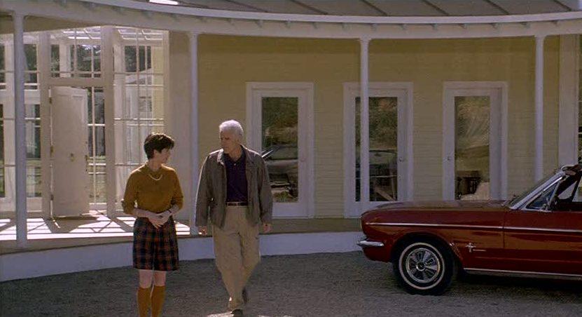 Steve Martin\'s yellow house in Housesitter movie