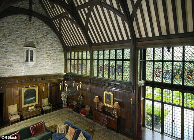 Mel Gibson 39 S Tudor Style Mansion In Greenwich Hooked On Houses