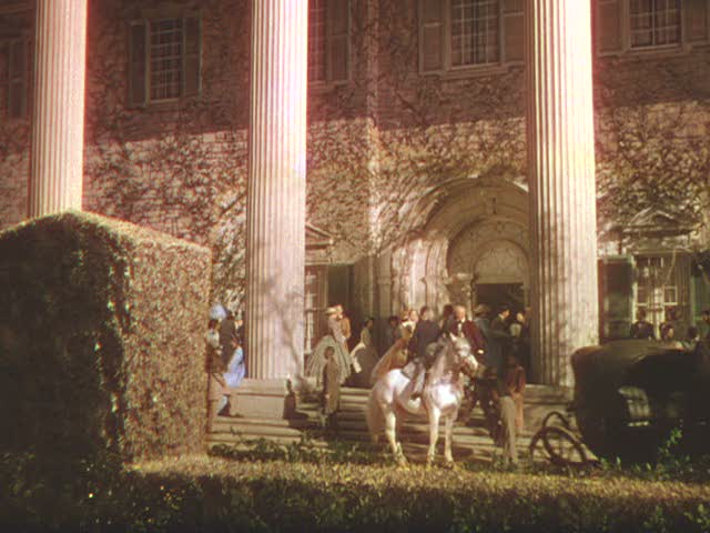 Screenshot of front of Twelve Oaks in Gone with the Wind movie