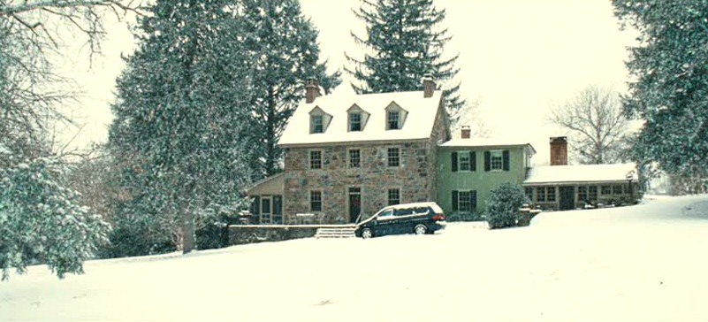 Marley & Me stone farmhouse PA in the snow