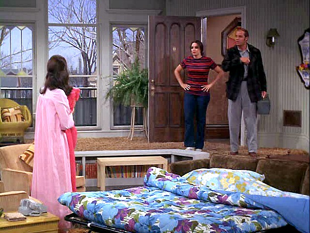 Mary Tyler Moore Show Apartment Pull Out Bed Hooked On