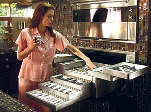 angelina-oven-stores-weapons