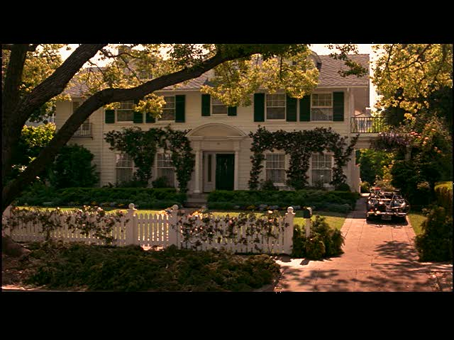 A House To Kill For In Mr Mrs Smith Celebrity