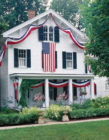 July 4th decorations give your home a patriotic look for Patriotic home decorations