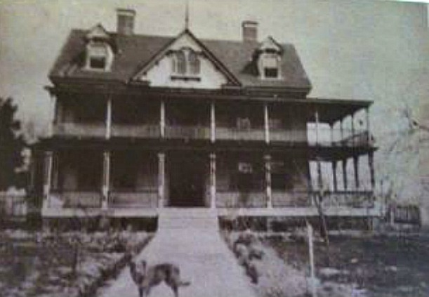 the notebook noah 39 s house in early 1900s lg hooked on houses. Black Bedroom Furniture Sets. Home Design Ideas