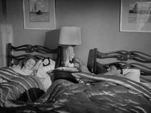 apartment-master-bedrm