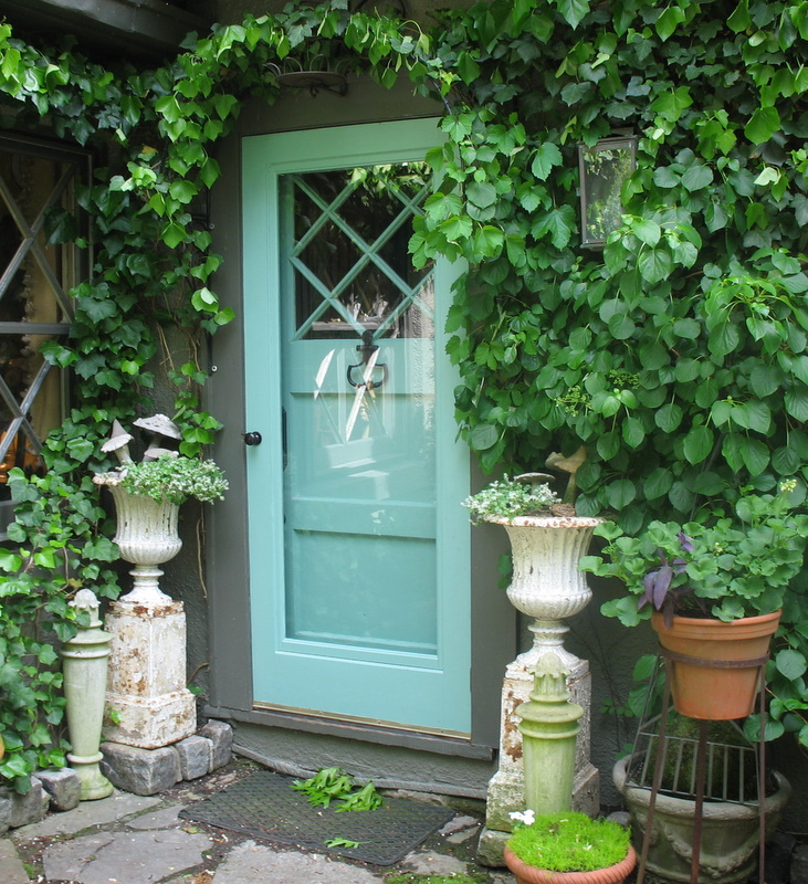 turquoise-front-door