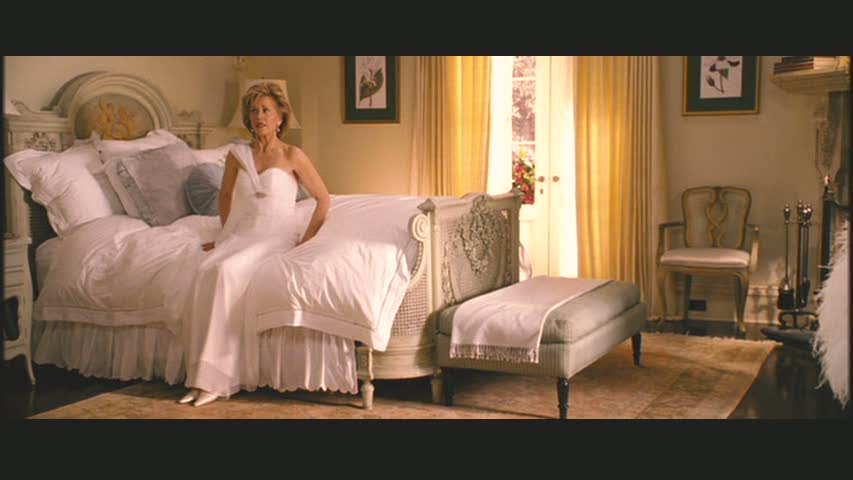violas-house-bed-monster-in-law