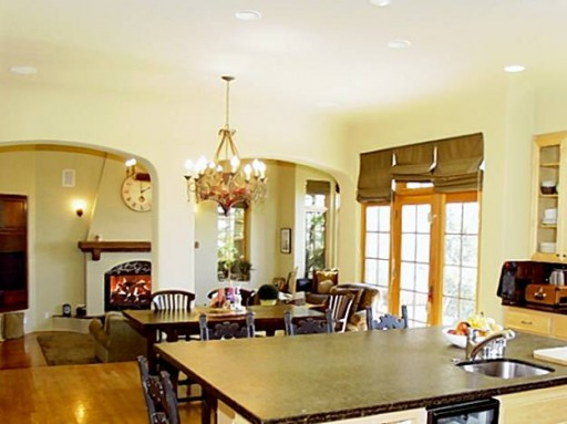 Billie Jo Armstrong house-kitchen table
