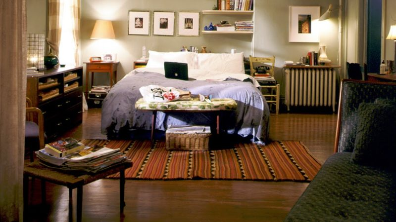 Carrie Bradshaw NYC apartment bedroom on HBO