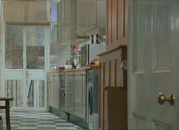 Hugh Grant's flat in Notting Hill movie 2