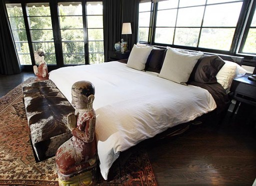 Flipping out ryan brown at home in l a hooked on houses for Jeff lewis bedroom designs