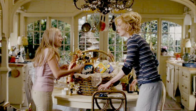 Kristin Chenoweth and Nicole Kidman in Bewitched movie