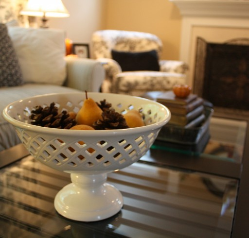 family room pedestal bowl