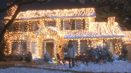Christmas Vacation house lit up