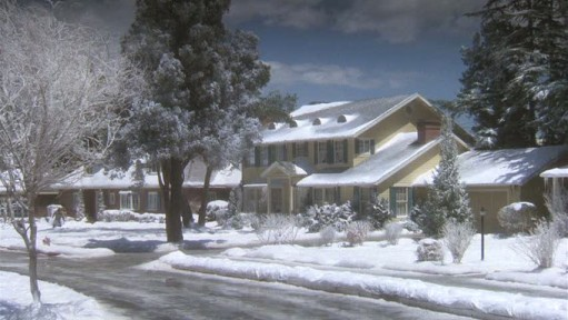 Christmas Vacation house-snow