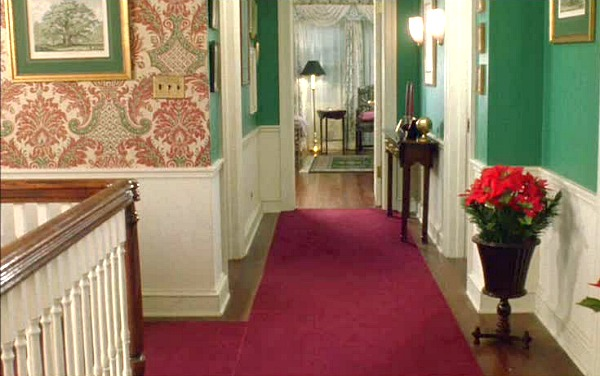 Kevin's house in Home Alone upstairs hallway