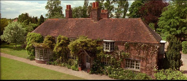 peppard-cottage-howards-end-wisteria