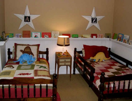 boys bedroom with twin beds