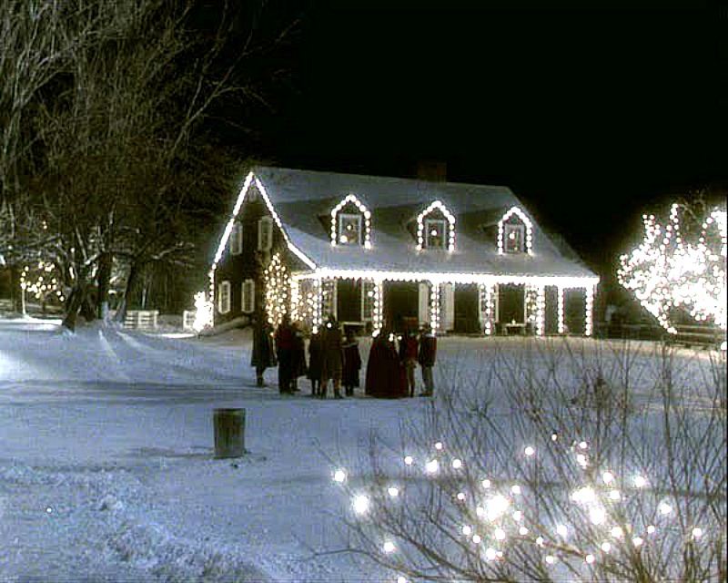 Funny Farm house Vermont Christmas lights