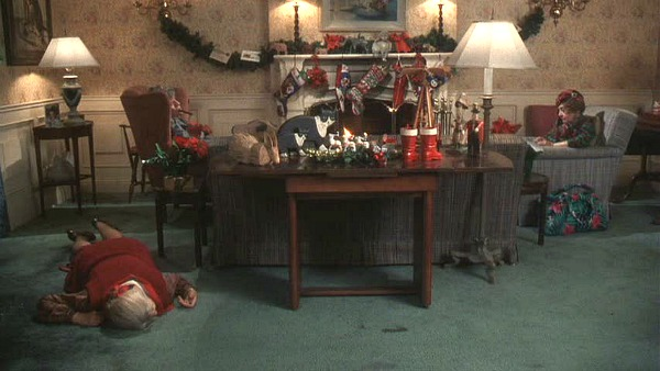 Griswold House Christmas Vacation movie living room