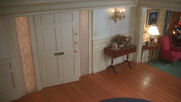 Griswold house Christmas Vacation movie entry hall