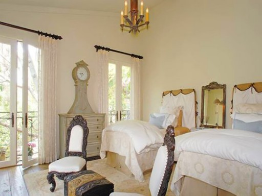 Halle Berry-guest room