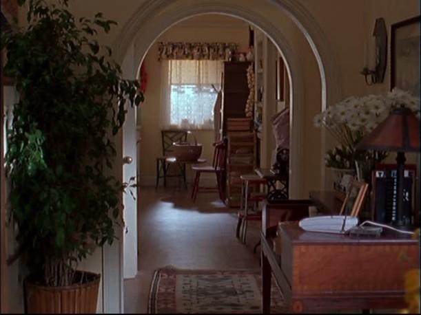 Lorelai's house-looking into kitchen
