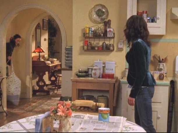 Lauren Graham standing in Lorelai\'s kitchen