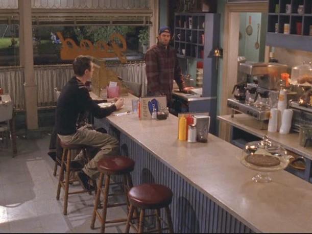 Luke's Diner-overhead