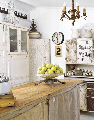 country kitchen inside mobile home