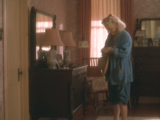 Gena Rowlands-bedroom