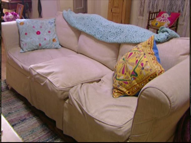 closeup of rumpled sofa in Lorelai\'s living room