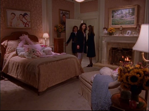 Rory's room at the Gilmore's 2