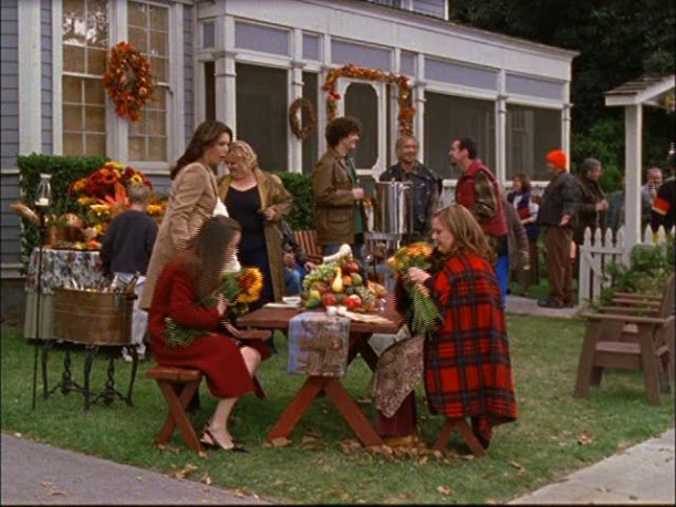 people gathered in front of Sookie\'s house at Thanksgiving