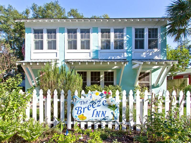 Mary Kay Andrews Breeze Inn Tybee Island GA