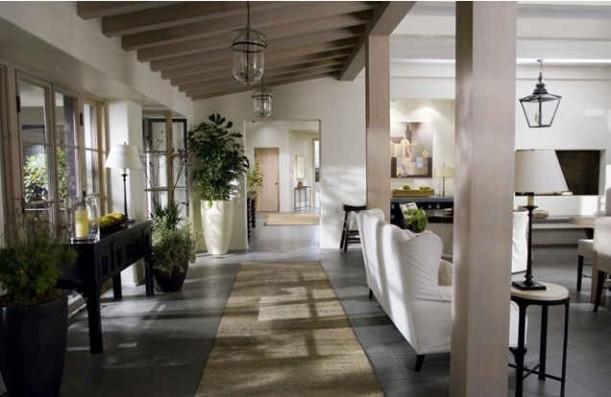 Amanda's house-corridor