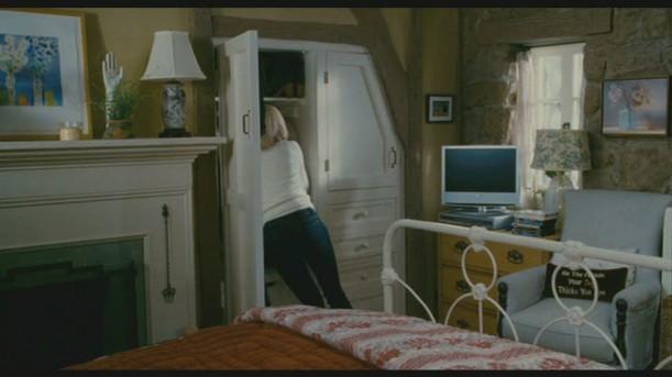 Iris-bedroom 2