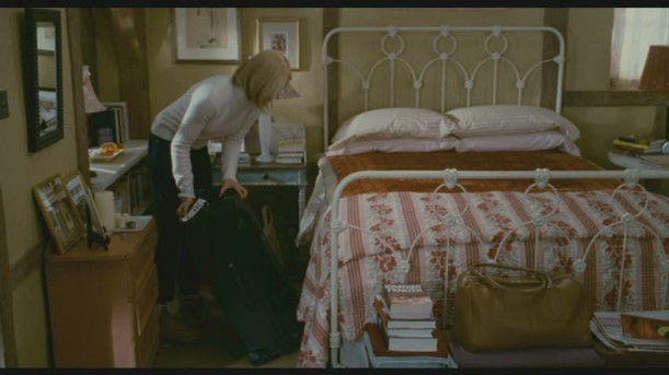 Iris-bedroom 4