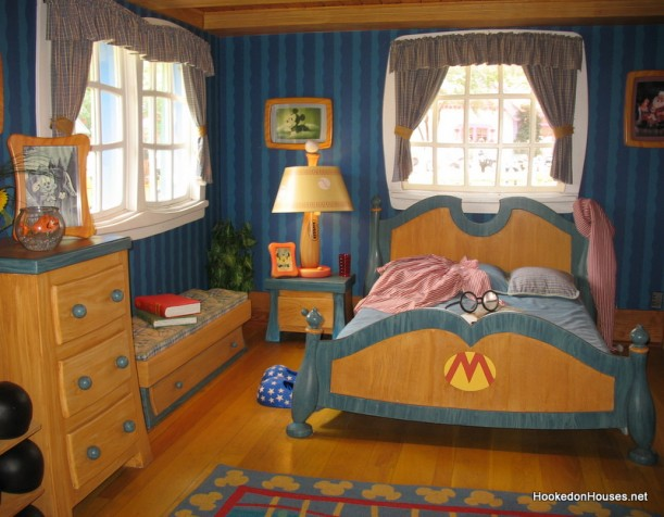 Mickey Mouse\'s bedroom